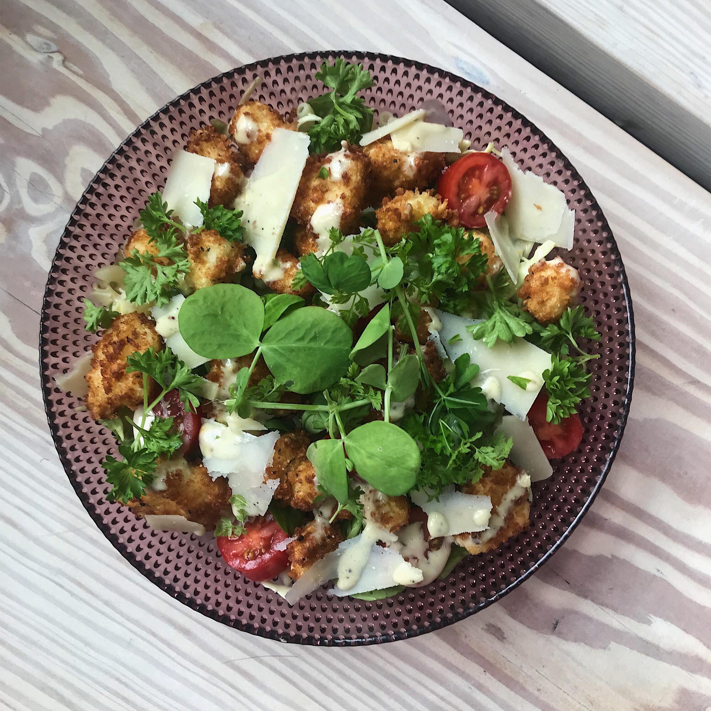 Fried Halloumi Cæsar salat