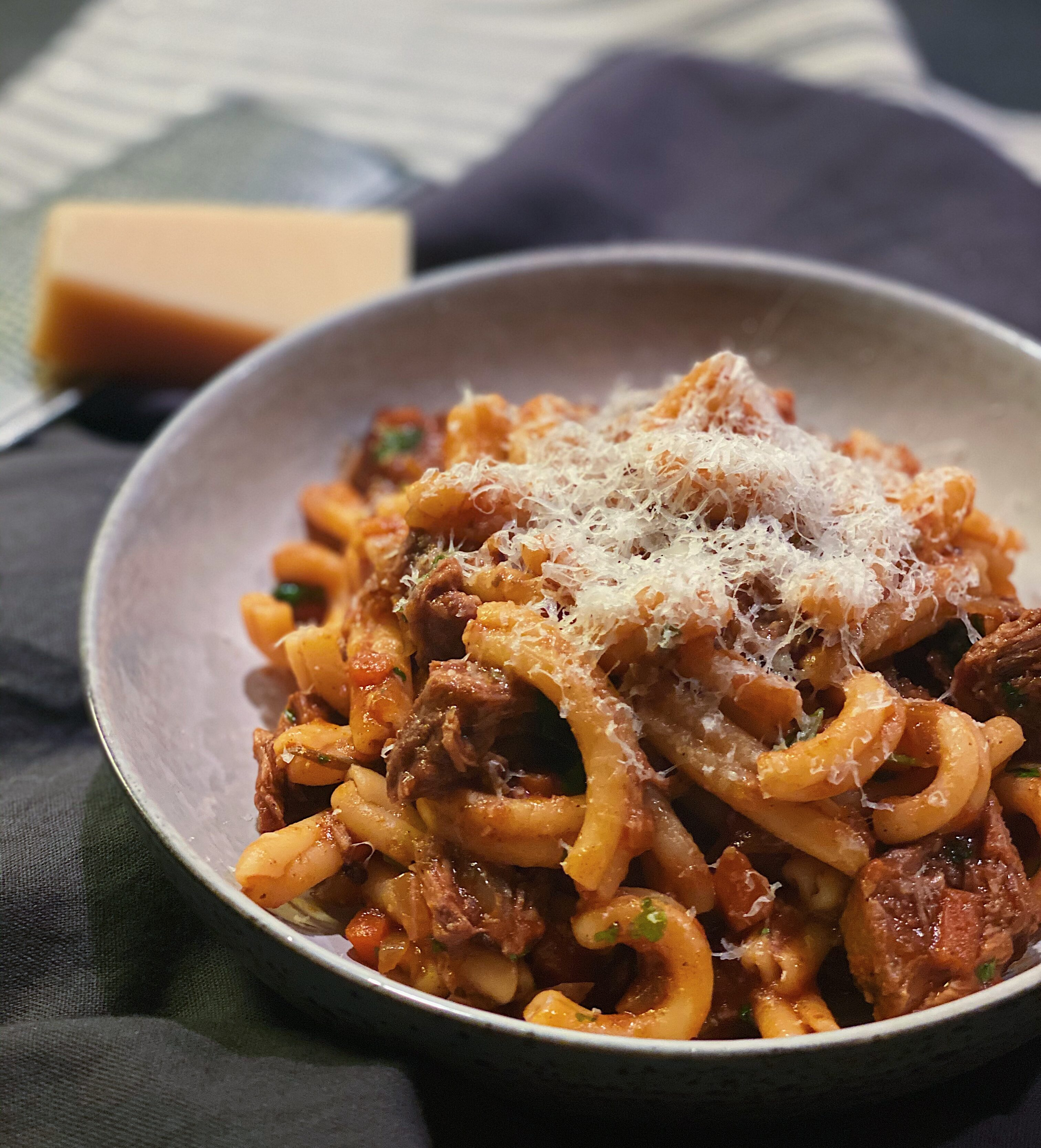 Ragu pasta med svinekæber